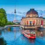 ドイツの観光業界は海外旅行者からのビットコイン支払いの受け入れへ